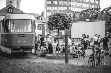 nulajednanulanula in bratislava tram trip